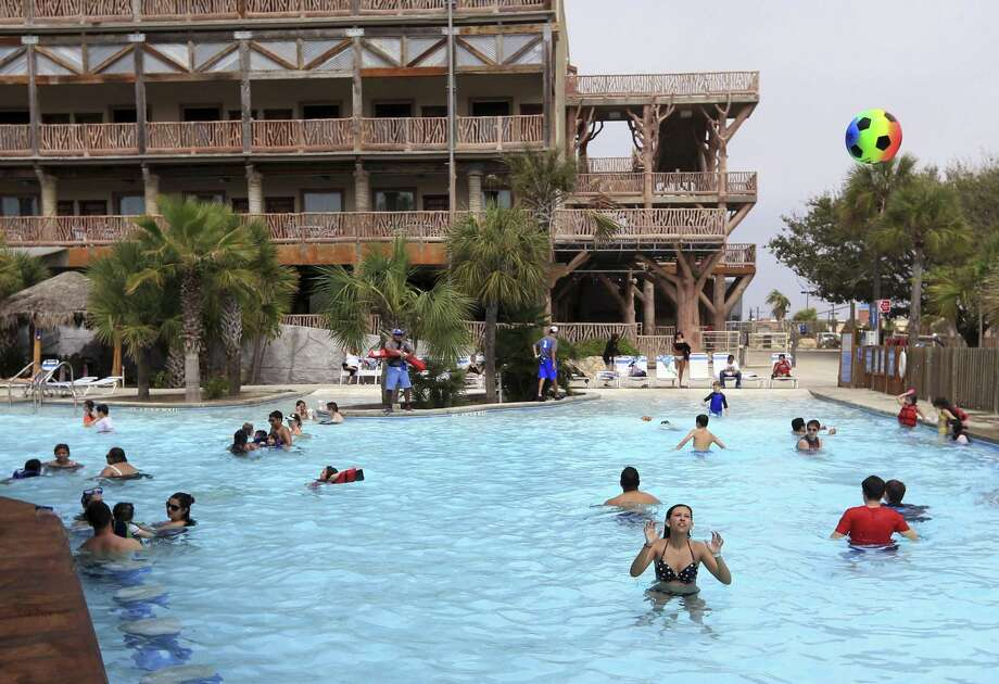 An agreement announced Monday in U.S. Bankruptcy Court in San Antonio staves off a foreclosure on the money-losing Schlitterbahn water park and resort on North Padre Island for at least two months. Photo: Rachel Denny Clow /Corpus Christi Caller-Times / Corpus Christi Caller-TImes