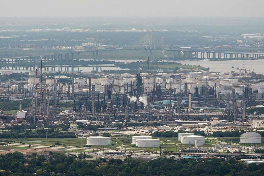 An Exxon Mobil Baytown facility is seen from a helicopter this week. Some refineries have begun the restart process. Photo: Michael Ciaglo, Staff / Michael Ciaglo