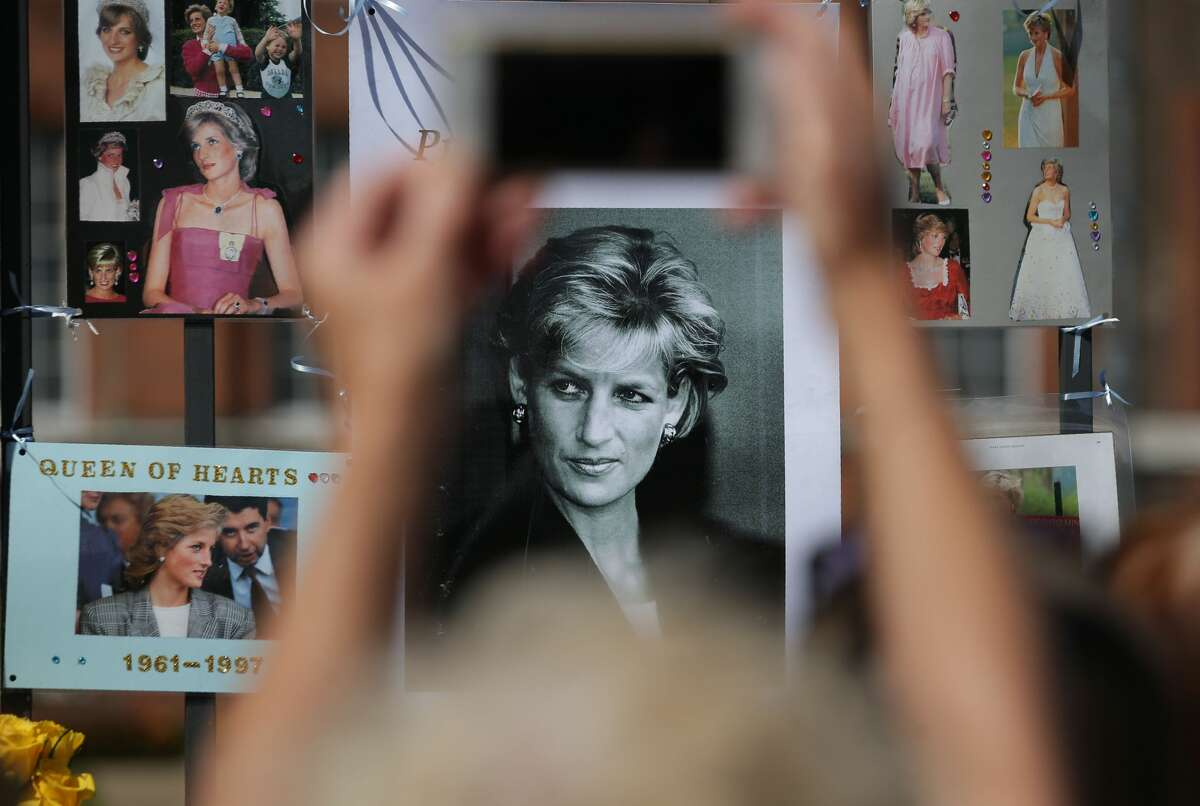 The world remembered and paid tribute to Princess Diana on Aug. 31, 2017. Twenty years earlier, the Princess of Wales was killed in a late-night Paris car crash. Photos, candles and flowers were displayed outside the gates of Kensington Palace.