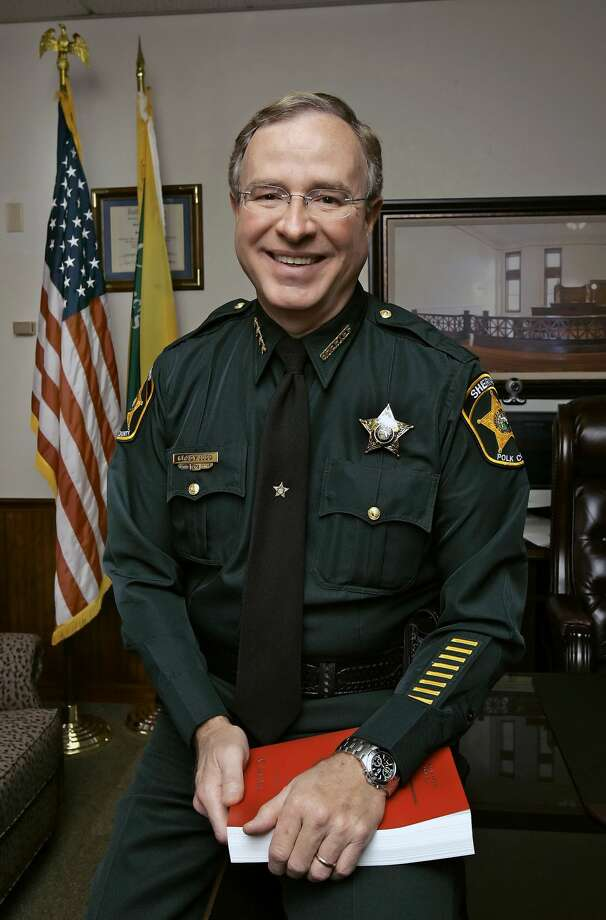 Florida sheriff says that if you have an outstanding warrant