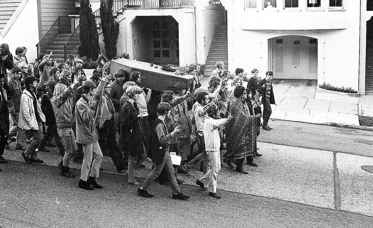 The Death of the Hippie funeral event and procession would start at the Psychedelic Shop on Haight and proceed on to Buena Vista Park October 6, 1967