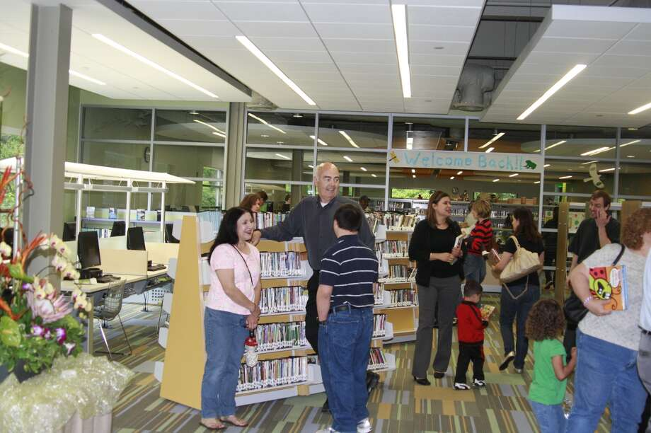 The Kingwood Library held a grand opening celebration for the community and area dignitaries April 19. Photo: JENNIFER SUMMER / The Observer