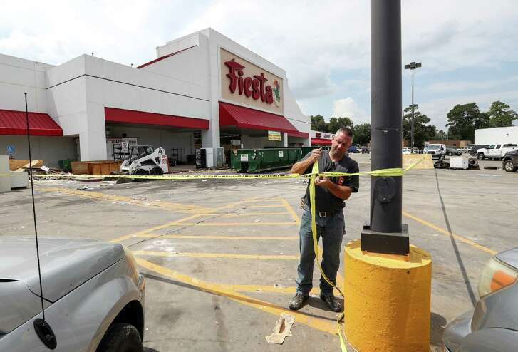 Barry Mentze, a contractor, works at a Fiesta grocery store that flooded, at the corner of Mesa Drive and Tidwell Road, Tuesday, Sept. 5, 2017, in Houston. ( Jon Shapley  / Houston Chronicle )