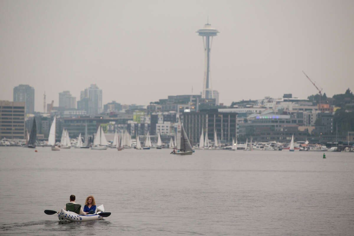 Washington Washington has two cities currently with plastic straw bans: Seattle and Edmonds.