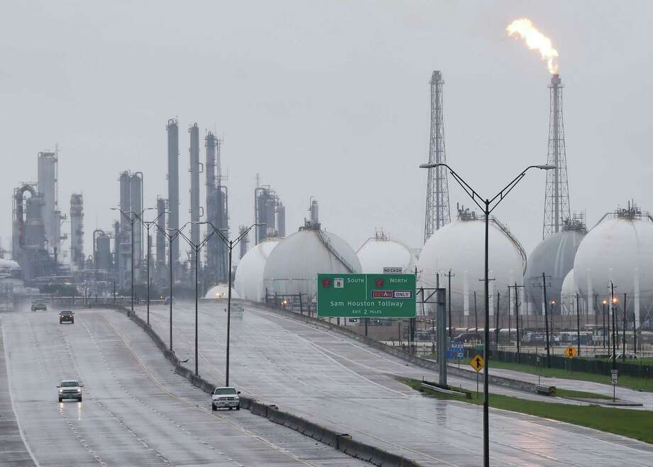 A flare is seen Aug. 29 at Shell's Deer Park refinery, where two tanks were damaged by the storm. Several plants shut down after Hurricane Harvey made landfall are coming back on line. Photo: Melissa Phillip, MBO / Houston Chronicle 2017