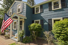 House of the Week: 18 McCormack Rd., Bethlehem | Realtor:   Jennifer Bettini-Bergeron  | Discuss:  Talk about this house