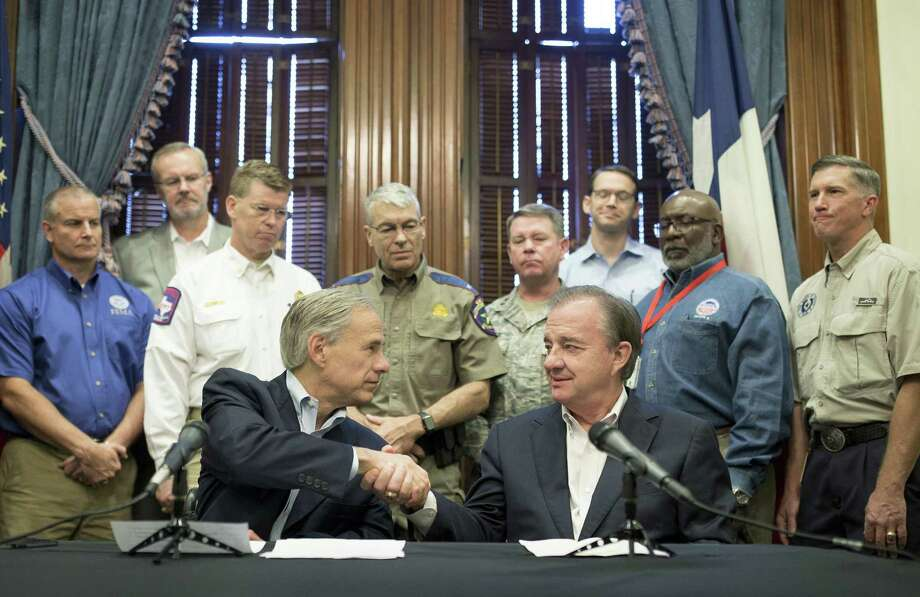 Gov. Abbott announces task force to 'Rebuild Texas' after Harvey