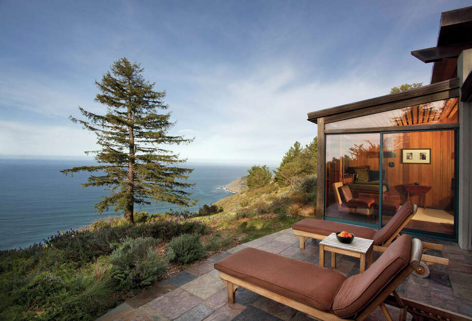 The Ocean House at Post Ranch Inn.  Photo: Kodiak Greenwood) / Bloomberg