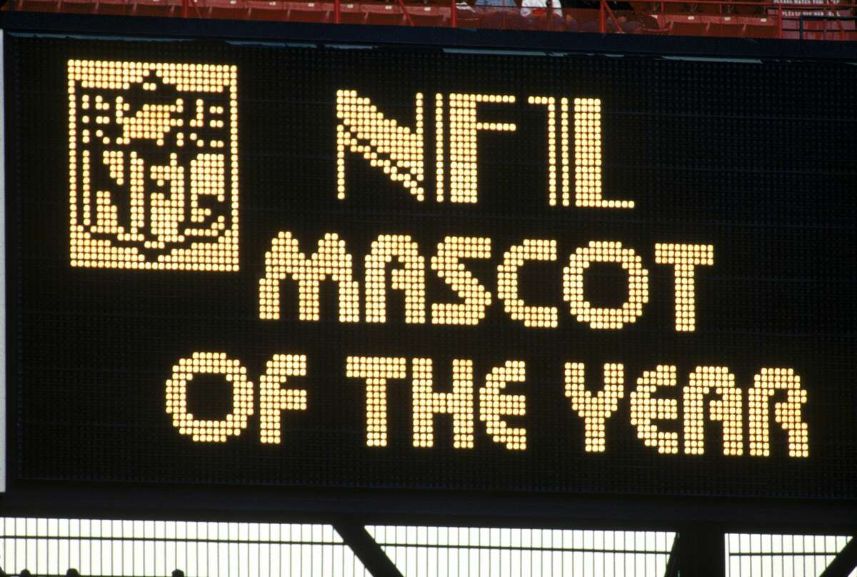 """HONOLULU, HI - FEBRUARY 5: A stadium scoreboard reads """"NFL mascot of the year"""" during the 1995 NFL Pro Bowl at Aloha Stadium on February 5, 1995 in Honolulu, Hawaii. The AFC defeated the NFC 41-13. (Photo by George Rose/Getty Images)"""