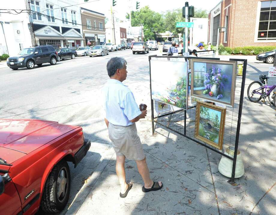 The annual Art Society of Old Greenwich Sidewalk Art Show and Sale returns to Sound Beach Avenue Saturday and Sunday. Photo: Bob Luckey / Bob Luckey / Greenwich Time