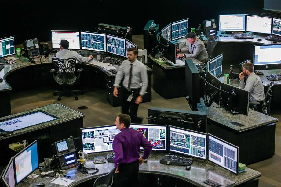 The control room at California Independent System Operator in Folsom. The operator says that no one has ever broken into its core operating systems, despite hacking attacks on electricity infrastructure nationwide. Photo: Gabrielle Lurie, The Chronicle