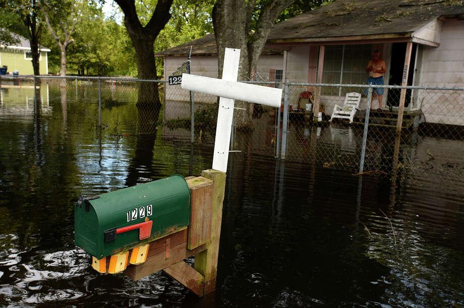 Floodwaters surround Walton Young's mailbox on Flint Street in Orange on Tuesday.  Photo taken Tuesday 9/5/17 Ryan Pelham/The Enterprise Photo: Ryan Pelham / ©2017 The Beaumont Enterprise/Ryan Pelham