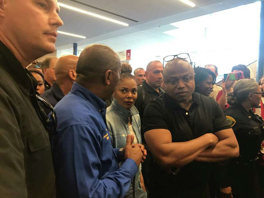 Janet Jackson Visits Harvey Evacuees At GRB Houston Chronicle