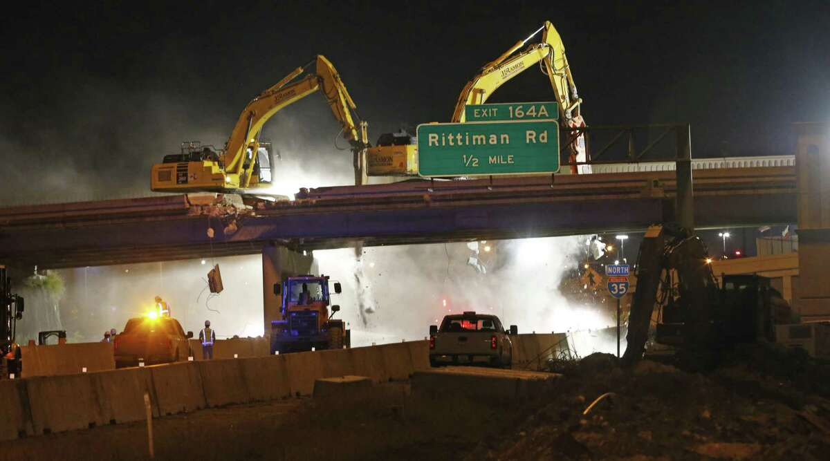 The demolition of old bridges will shut down Interstate 35 and Interstate 10 this weekend. The projects are similar to this job last April on I-35 near NE Loop 410 on the Northeast Side
