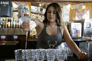 Bar tabs in the San Antonio area rose 3.3 percent to $611.5 million in 2017, according to the Texas comptroller's office.
