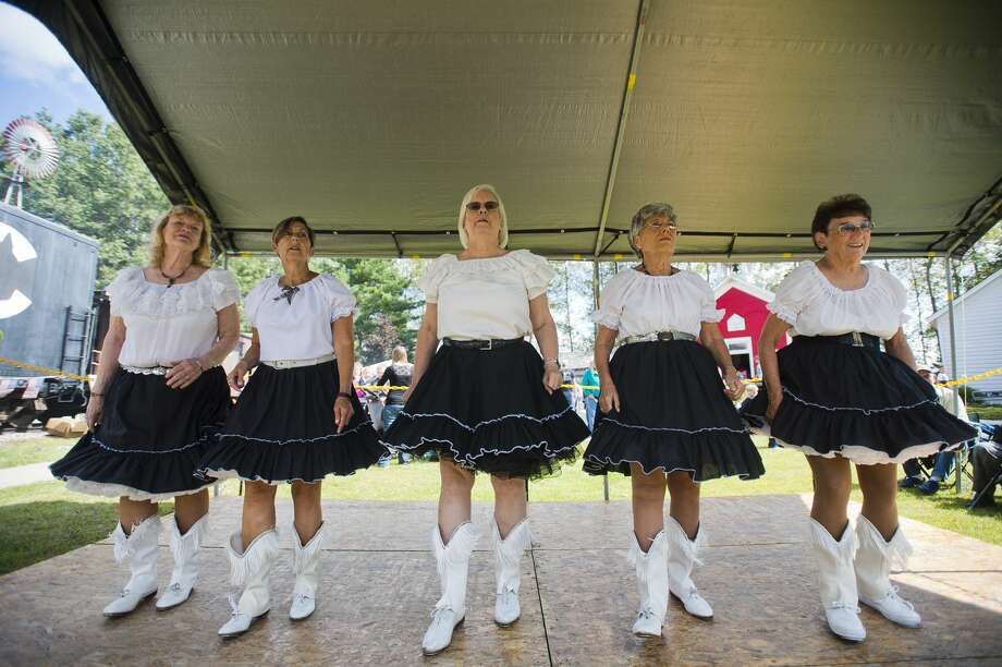 The Sanford Lake Cloggers perform during Founder's Day on Saturday, September 9, 2017 at the Sanford Historical Museum grounds. (Katy Kildee/kkildee@mdn.net) Photo: (Katy Kildee/kkildee@mdn.net)