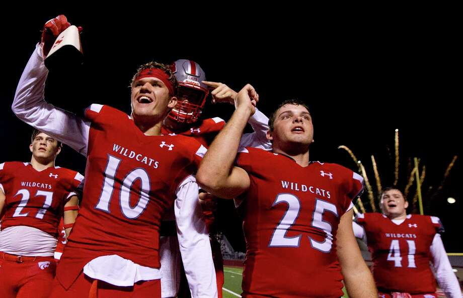 Splendora running back Connor Day (10) celebrates with teammates after shutting out Tarkington 28-0 in the annual Battle of the Bell at Wildcat Stadium, Friday, Sept. 8, 2017, in Splendora. Photo: Jason Fochtman, Staff Photographer / © 2017 Houston Chronicle