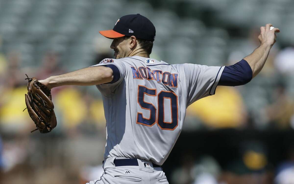Houston Astros pitcher Charlie Morton works against the Oakland Athletics in the first inning of the first baseball game of a doubleheader on Saturday, Sept. 9, 2017, in Oakland, Calif. (AP Photo/Ben Margot)
