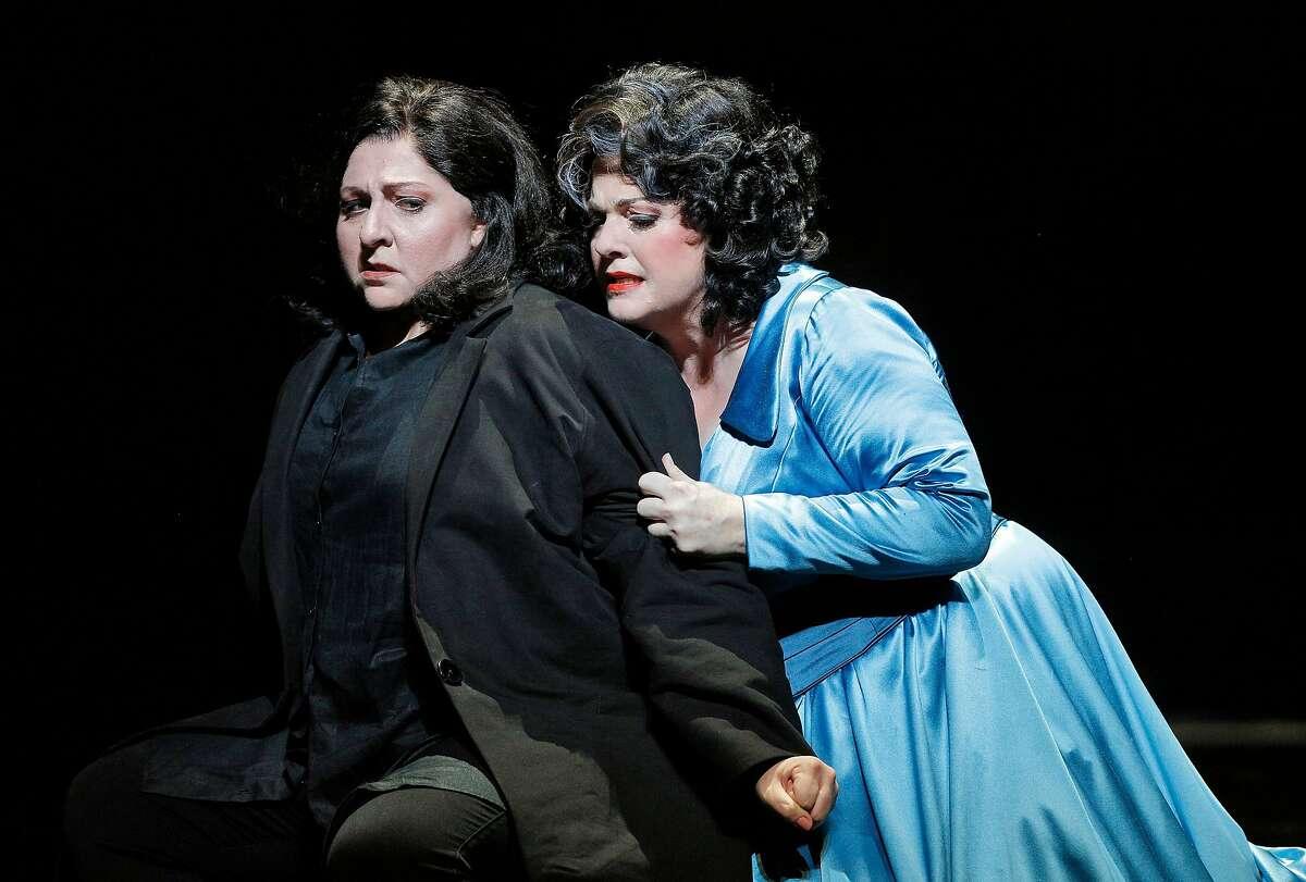 "Christine Goerke (l.) and Michaela Martens in RIchard Strauss' ""Elektra"" at SF Opera"