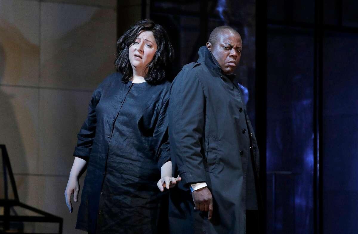 "Christine Goerke (l.) and Alfred Walker in RIchard Strauss' ""Elektra"" at SF Opera"