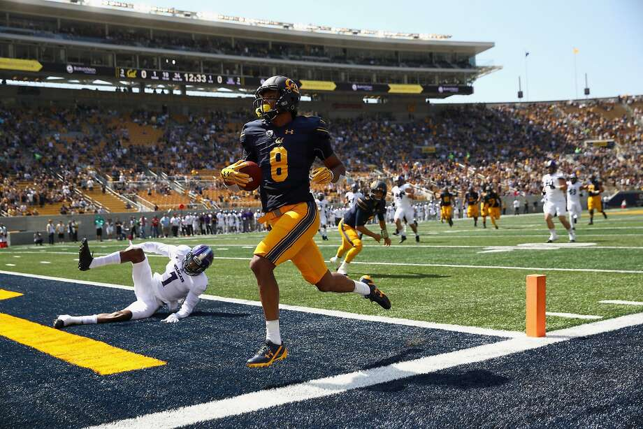 BERKELEY, CA - SEPTEMBER 09:  Demetris Robertson #8 of the California Golden Bears runs in for a touchdown against the Weber State Wildcats at California Memorial Stadium on September 9, 2017 in Berkeley, California.  (Photo by Ezra Shaw/Getty Images) Photo: Ezra Shaw, Getty Images