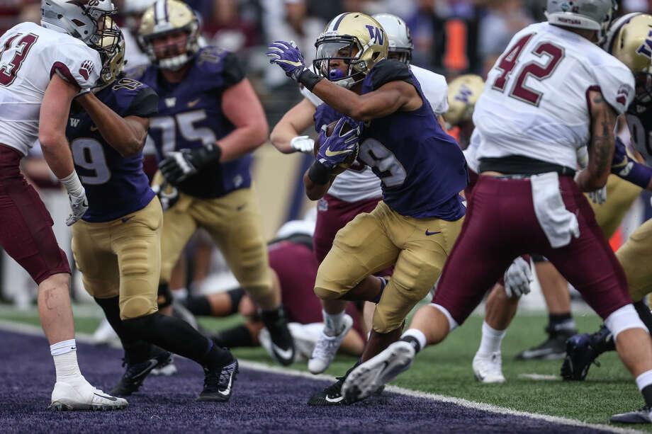 University of Washington tailback Myles Gaskin runs in a touchdown in the first half against Montana on Saturday, Sept. 9, 2017. Photo: GRANT HINDSLEY, SEATTLEPI.COM / SEATTLEPI.COM