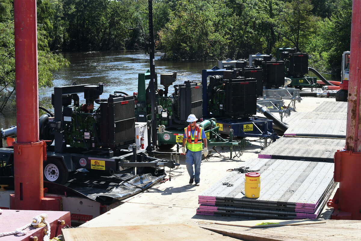 A makeshift pump system assembled by Beaumont's Tiger Industrial Rentals on floating barges after Harvey temporarily restored the city's water supply. MORE: How one family helped restore Beaumont's water