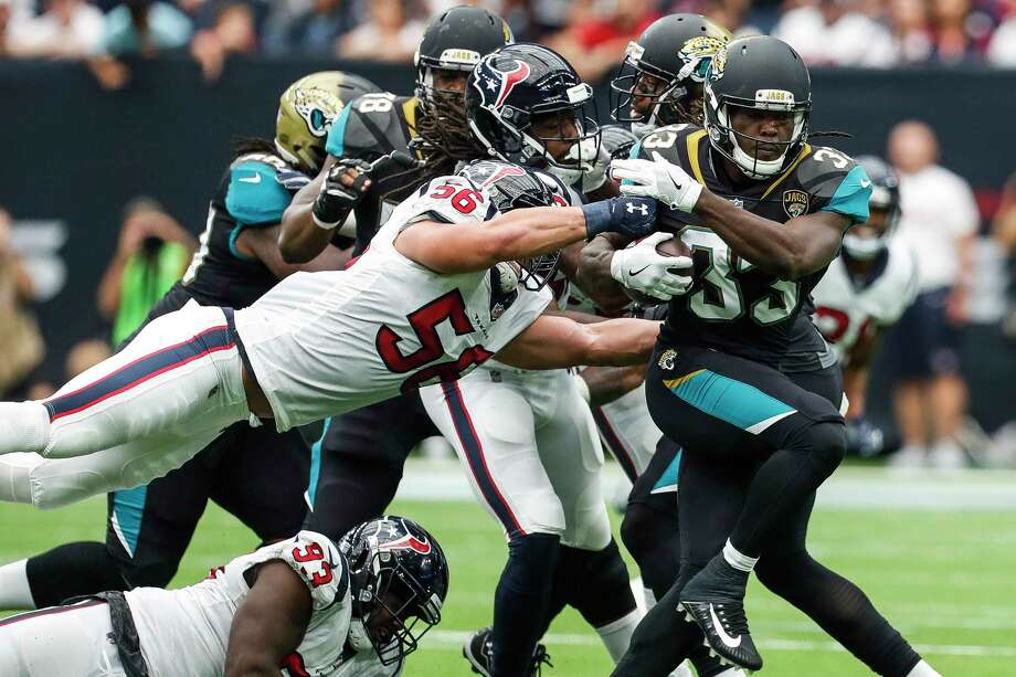 Texans linebacker Brian Cushing (56) left Sunday's season opener against the Jaguars with a concussion and was ruled out for the game. Photo: Brett Coomer, Houston Chronicle / © 2017 Houston Chronicle