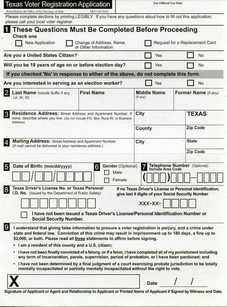 A Texas Voter Registration Application from the Texas Secretary of State. Photo: John W. Gonzalez, Express-News Staff