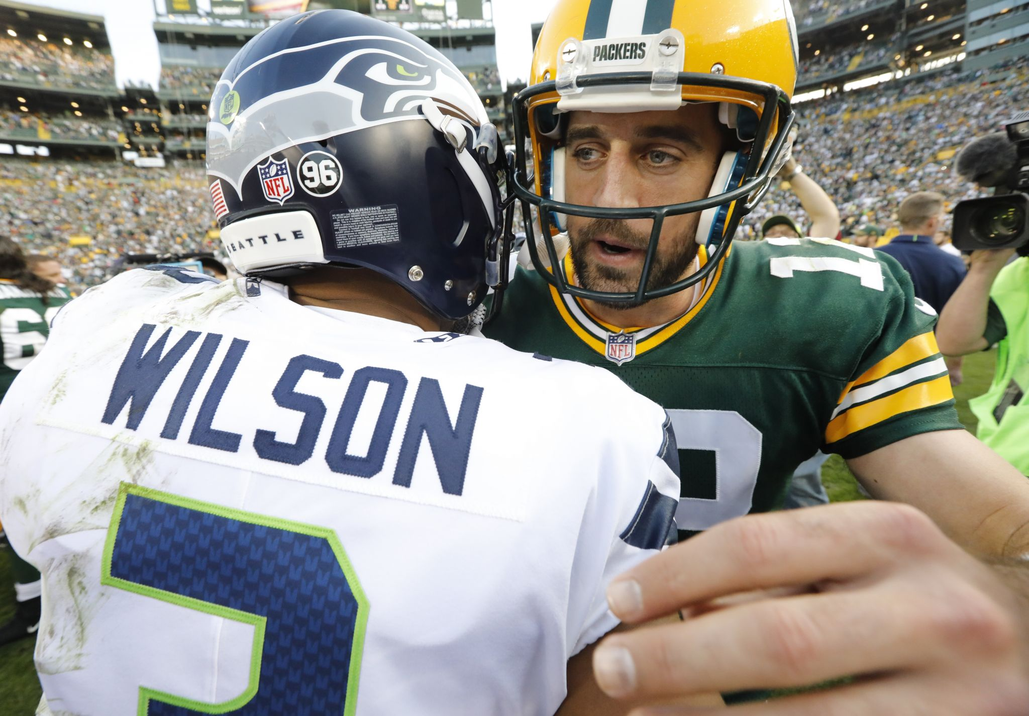 Live: Seattle Seahawks host Packers at CenturyLink