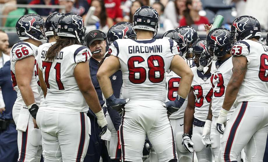 Houston Texans head coach Bill O'Brien talks to his offense during a time out in the fourth quarter of an NFL football game against the Jacksonville Jaguars at NRG Stadium on Sunday, Sept. 10, 2017, in Houston. ( Brett Coomer / Houston Chronicle ) Photo: Brett Coomer/Houston Chronicle