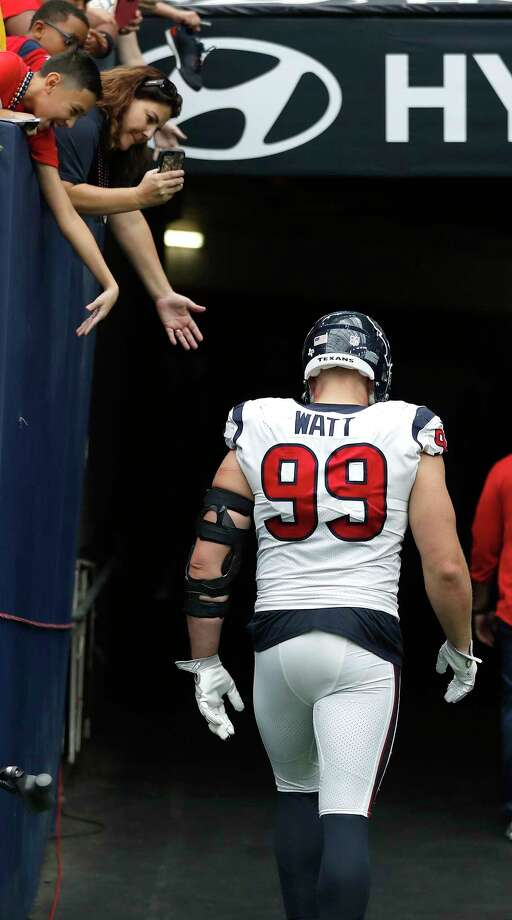 Despite suffering a dislocated finger, defensive end J.J. Watt returned to the field for the Texans on Sunday against the Jaguars, but recorded just one tackle and one quarterback hit on the day.  Photo: Karen Warren, Staff / @ 2017 Houston Chronicle