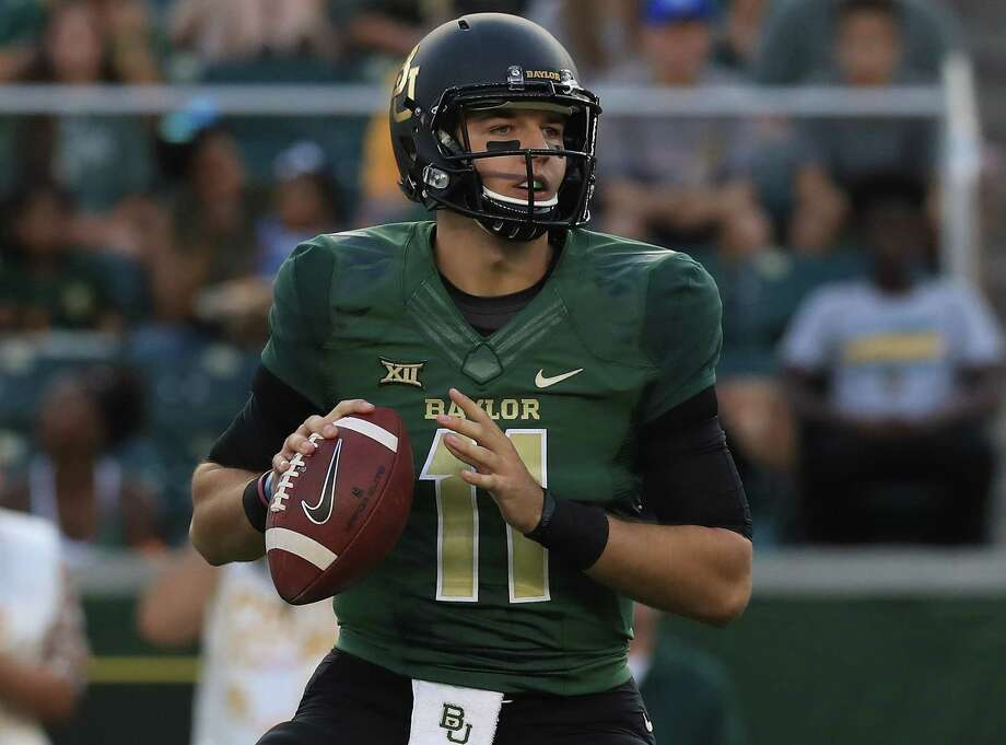 WACO, TX - SEPTEMBER 09:  Zach Smith #11 of the Baylor Bears throws against the UTSA Roadrunners at McLane Stadium  on September 9, 2017 in Waco, Texas.  (Photo by Ronald Martinez/Getty Images) Photo: Ronald Martinez, Staff / 2017 Getty Images