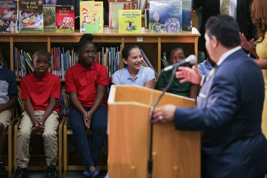 Bryce Elementary School kids listen as Houston ISD Superintendent Richard Carranza holds a press conference to discuss the school district's reopening of hundreds of facilities for the first day of school after Tropical Storm Harvey Monday, Sept. 11, 2017 in Houston. Photo: Michael Ciaglo, Houston Chronicle / Michael Ciaglo