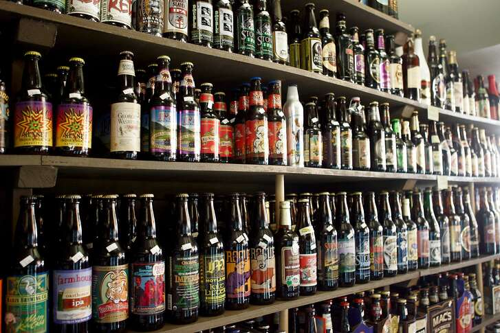 sippingnews08_18428_lkm.jpg  The City Beer Store, located at 1168 Folsom St. in San Francisco, CA, has a large selection of bottled beers for sale.    Laura Morton/The Chronicle       Ran on: 09-08-2006
