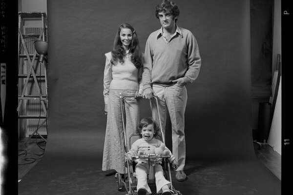 Bob and Susan Davis with daughter Paige   On a single Saturday in 1973, photographer Jeff Cohen coaxed 22 groups of people into his San Francisco studio for a portrait shoot. Left untouched for 40 years, Cohen rediscovered the photos while setting up his Chicago studio four-and-a-half years ago.
