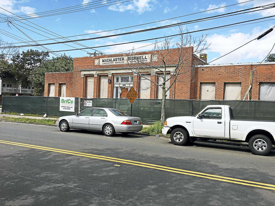 A former industrial site on Henry Street in New Haven is before the Board of Zoning Appeals on Sept. 26 for special exceptions  and variances to convert it to an arts center. Photo: MARY E. O'LEARY / HEARST CONNECTICUT MEDIA