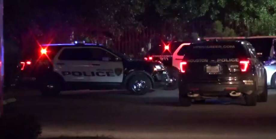A woman was stabbed early Tuesday during a fight at a southwest Houston Mexican restaurant, just two miles from NRG Stadium. (Metro Video) Photo: Metro Video