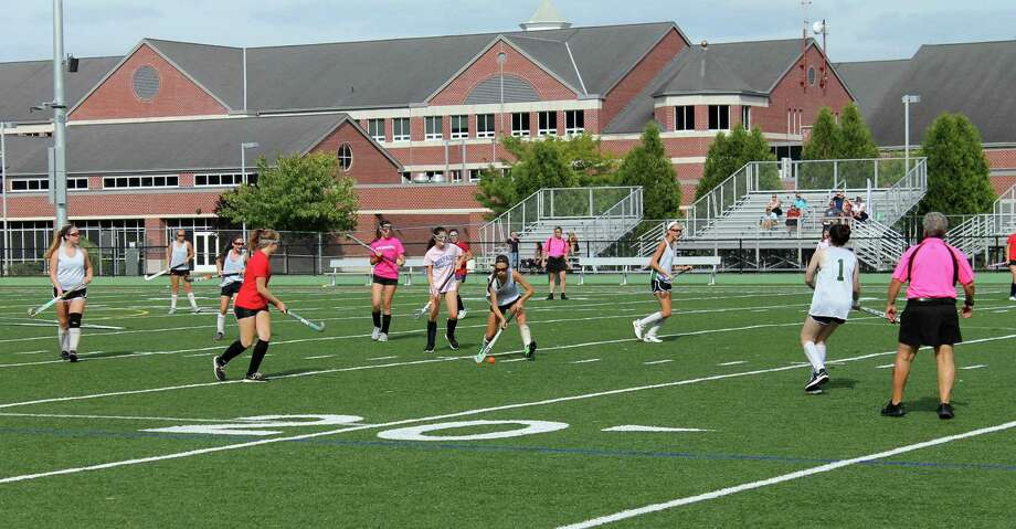 The New Milford Green Wave field hockey team during a recent scrimmage. Photo: Contributed Photo / The News-Times Contributed