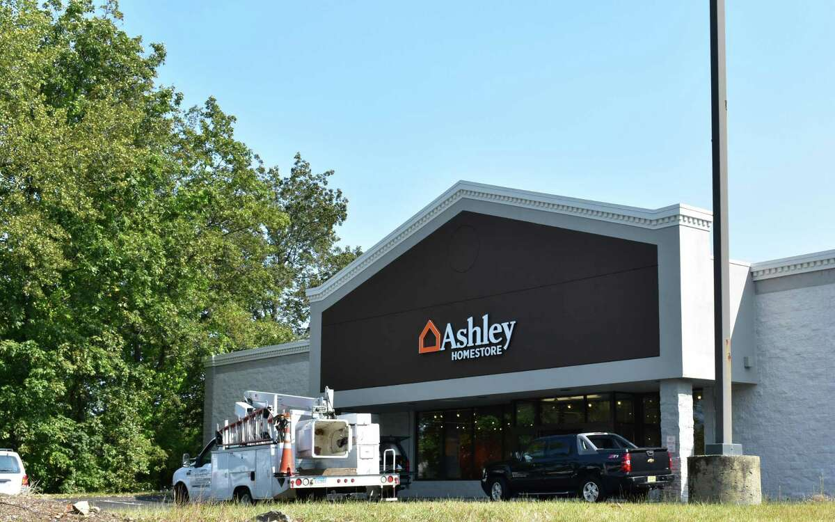 Vendors continue work in mid-September 2017 on the Ashley HomeStore planned for 50 Richards Ave. in Norwalk, Conn., formerly a Staples retail store. More than 220 people to date have applied for full-time sales jobs on the Indeed.com job board, with the furniture retailer having yet to publish a planned opening date.