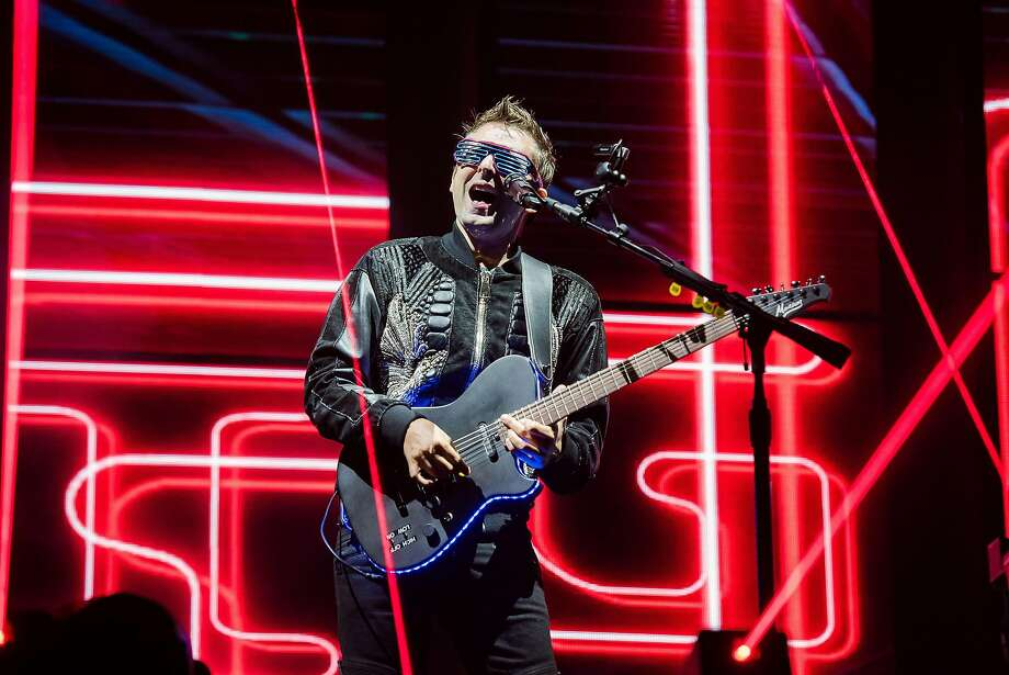 BELFAST, NORTHERN IRELAND - AUGUST 23: Matt Bellamy of Muse performs live on stage at the Vital Festival at Boucher Playing Fields on August 23, 2017 in Belfast, Northern Ireland. Photo: Gang Credit: Photo By Carrie Davenport/Redferns / Redferns