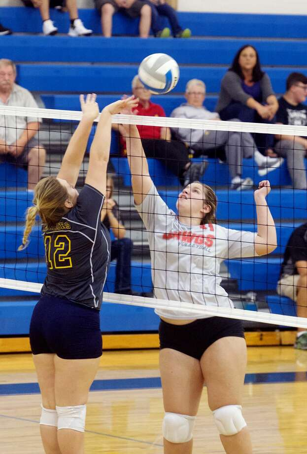 Owen-Gage at North Huron — Volleyball 2017 Photo: Paul P. Adams/Huron Daily Tribune