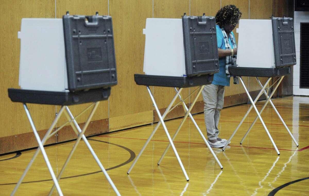 Geneva Dugan votes at Kendall Elementary School.