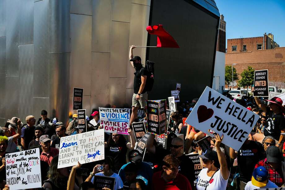 A confrontation Aug. 27 was one of the reasons the Berkeley police chief sought the OK to use pepper spray during demonstrations. Photo: Gabrielle Lurie, The Chronicle