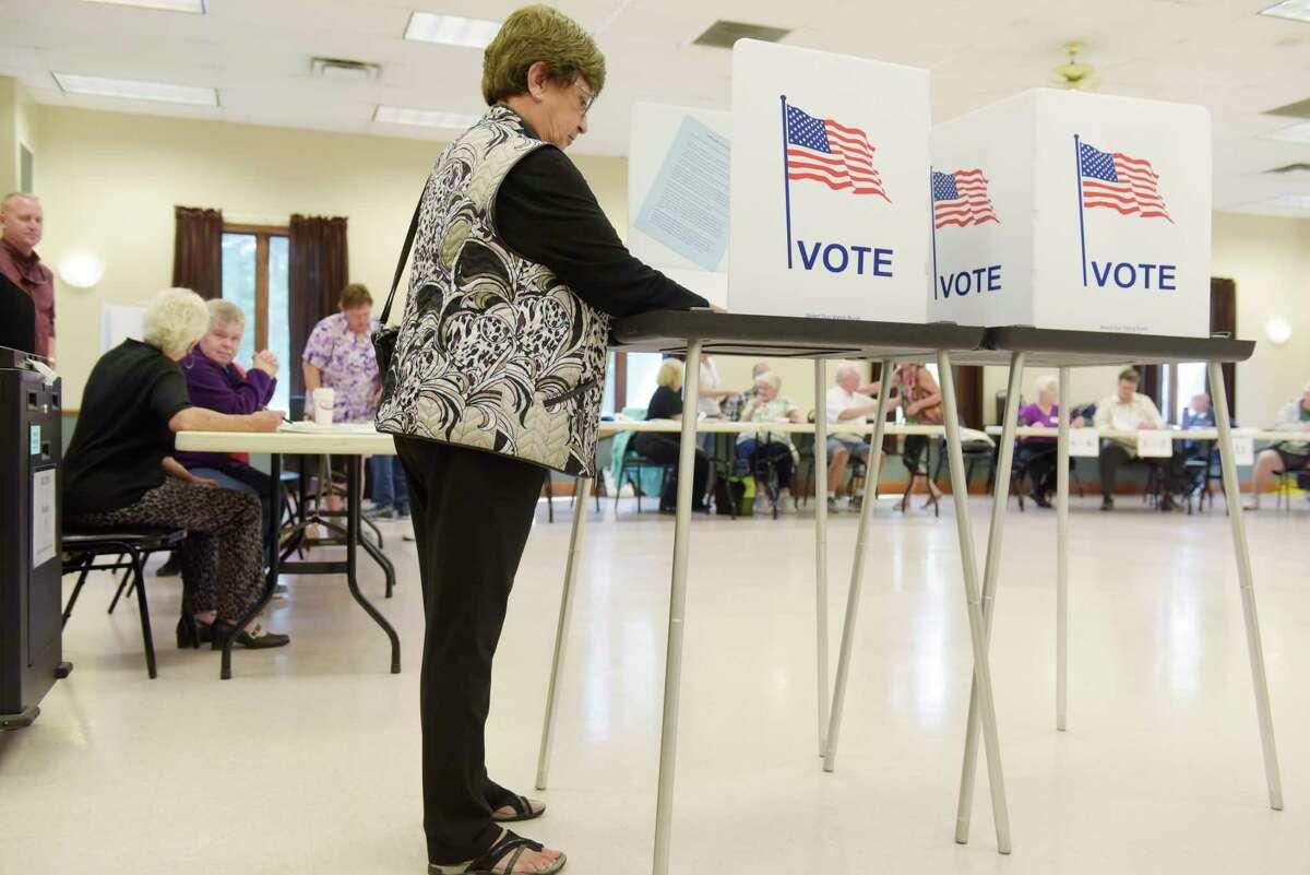 Milton Councilwoman Barbara Kerr fills in her ballot as she votes at the Milton Community Center on Tuesday, Sept. 12, 2017, in Milton, N.Y. (Paul Buckowski / Times Union)