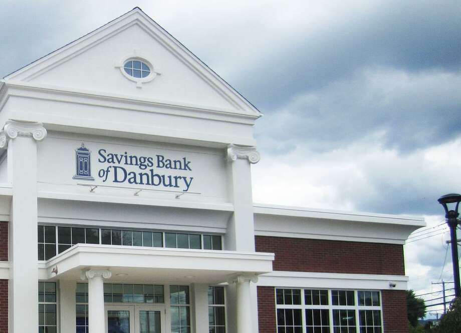 A Savings Bank of Danbury branch in New Milford, Conn. Entering September 2017, the Danbury-based bank applied for Connecticut approval of two new loan offices planned for Greenwich and Stamford. Photo: Norm Cummings / Norm Cummings / The News-Times