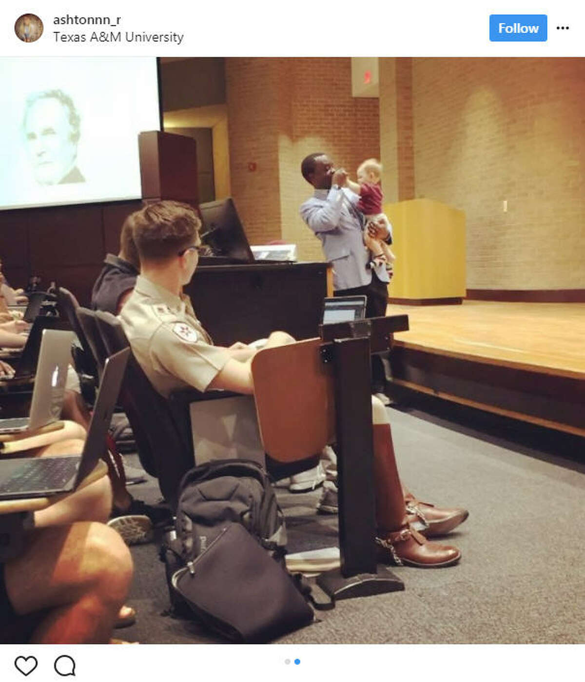 Ashton Robinson's sitter fell through for her sone Emmett and she told her Texas A&M professor, Dr. Henry Musoma, that she would have to skip class. He surprised her when he said to bring her son along and he even carried Emmett while lecturing.Source:Instagram