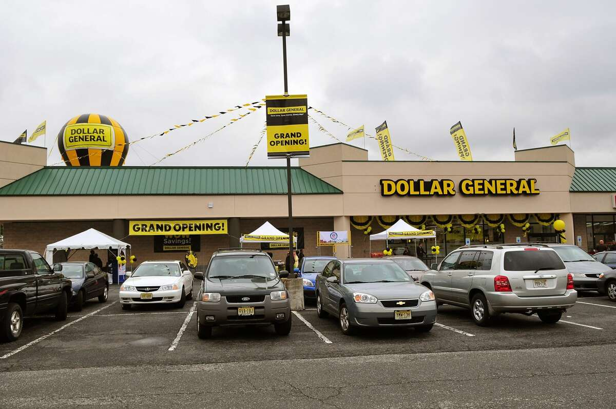 Click ahead to view new store openings in 2018. Dollar General: 900 store openings Source: Company reports