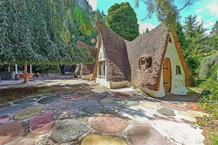 3395 S.E. Hidden Valley Way, listed at $775,000. See the full listing here. Photo: Mary Eklund