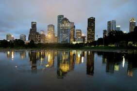 LISTED: The places to take your out-of-town guests around Houston       Houston's skyline as the sun sets is at once jarring and colorful. We recommend taking it in while holding a cold beverage.      See where to take your friends and family this holiday season to get the full Houston experience...